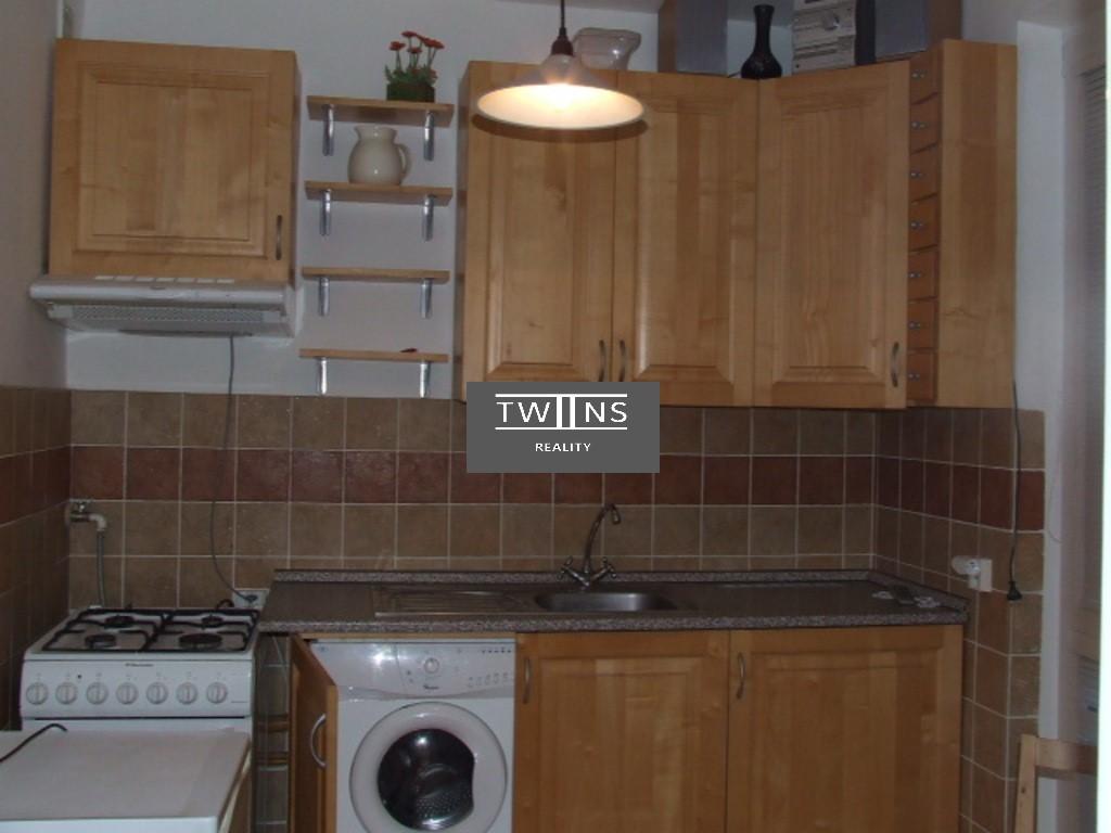 Prenajmeme 2 izbovy byt  pri Racianskom Myte 480 Eur