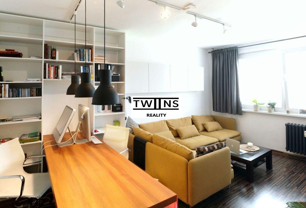 ? 2.izbový štýlový byt v lukratívnej, tichej časti Petržalky – ulica Alžbety Gwerkovej