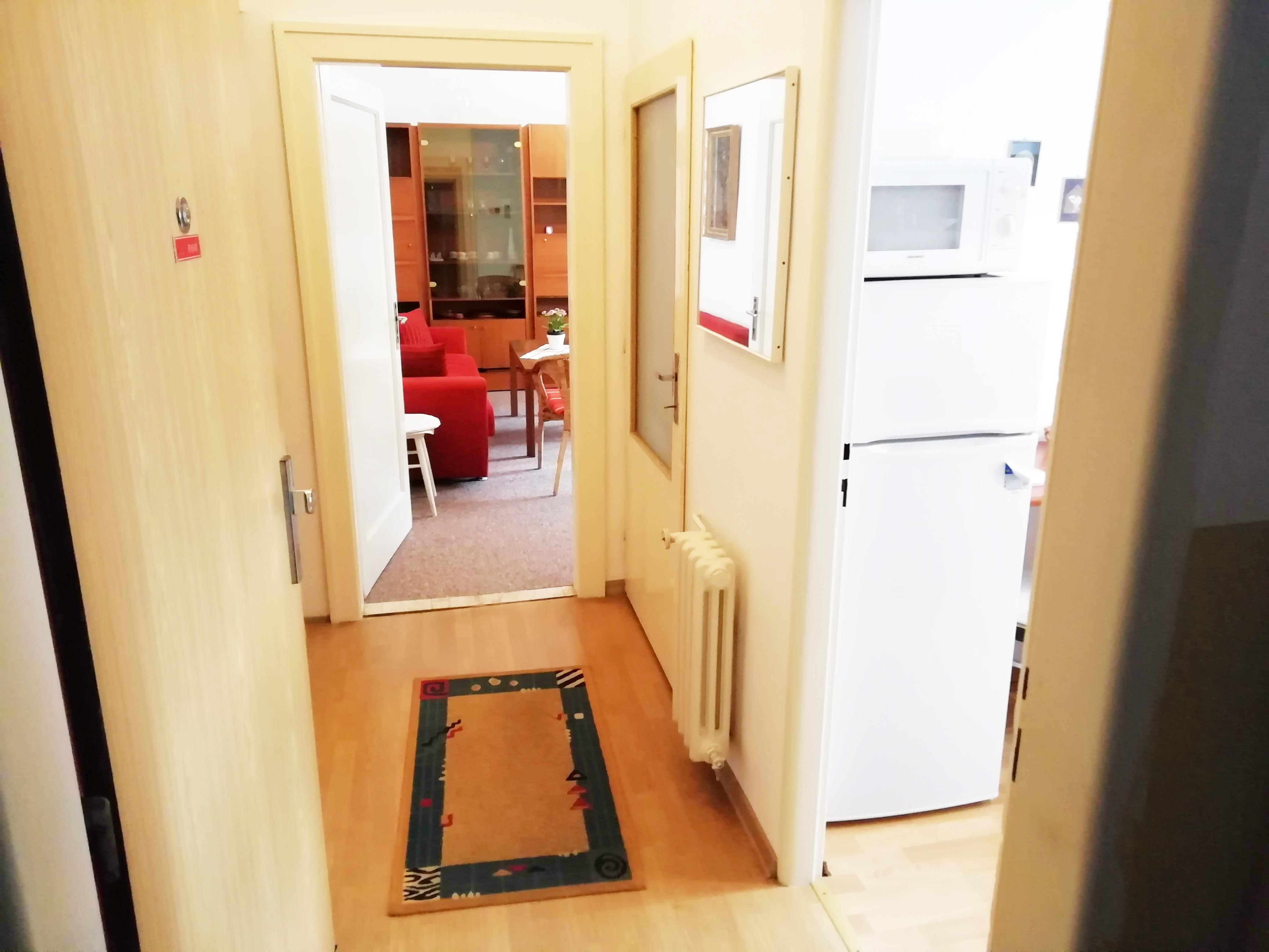 Prenajmeme 1 ibový byt v širšom centre