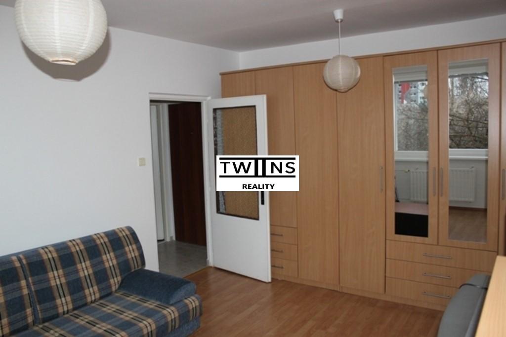 Prenájom 1izb. bytu na Rezedovej 450€ s energiami
