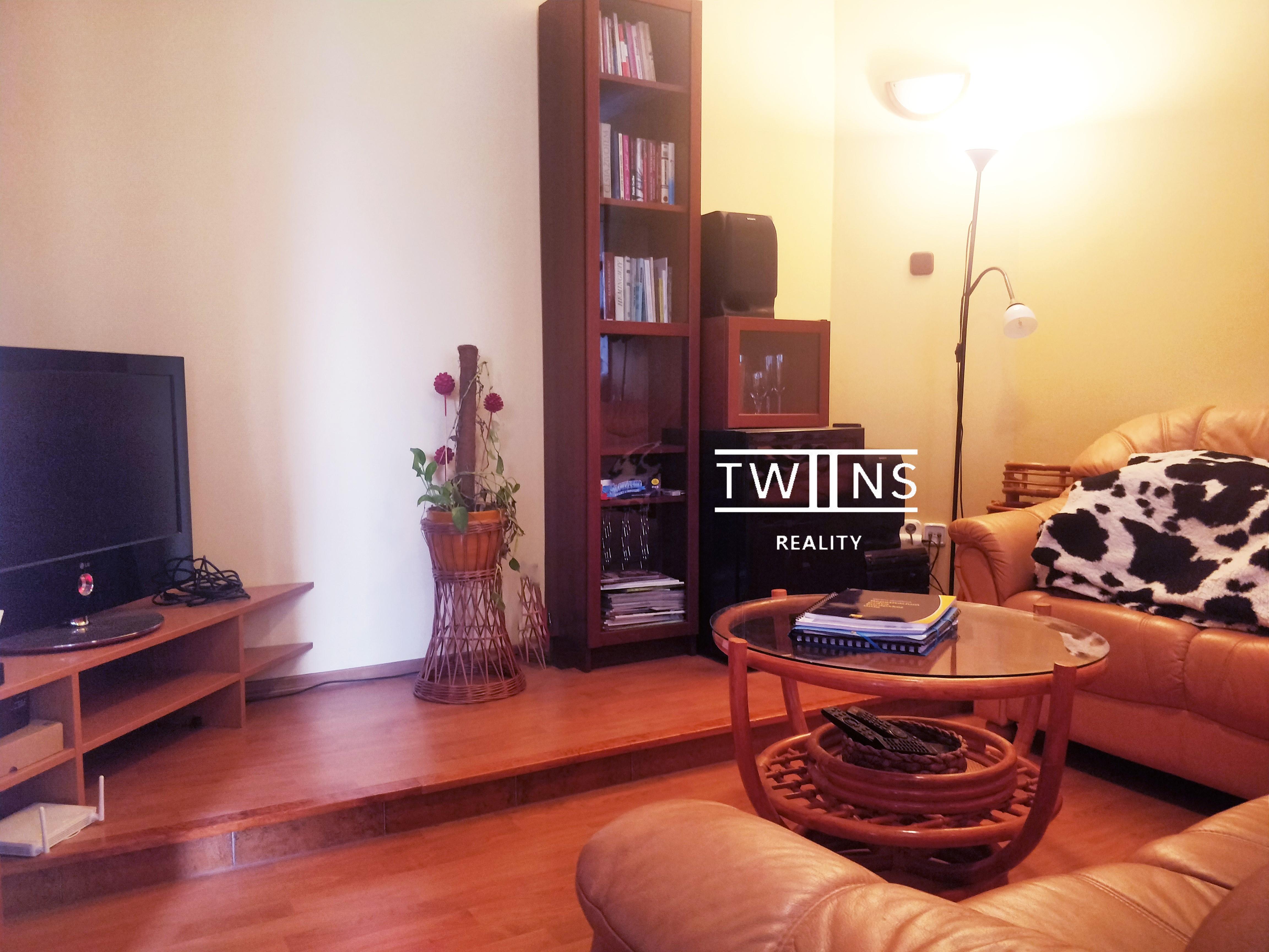 Rezervované —-Predáme 2 i byt v Ružínove , tichý parčík pred vchodom 🌳nepriechodné izby. Ideálne pre mladé rodiny 👨👩👧👦