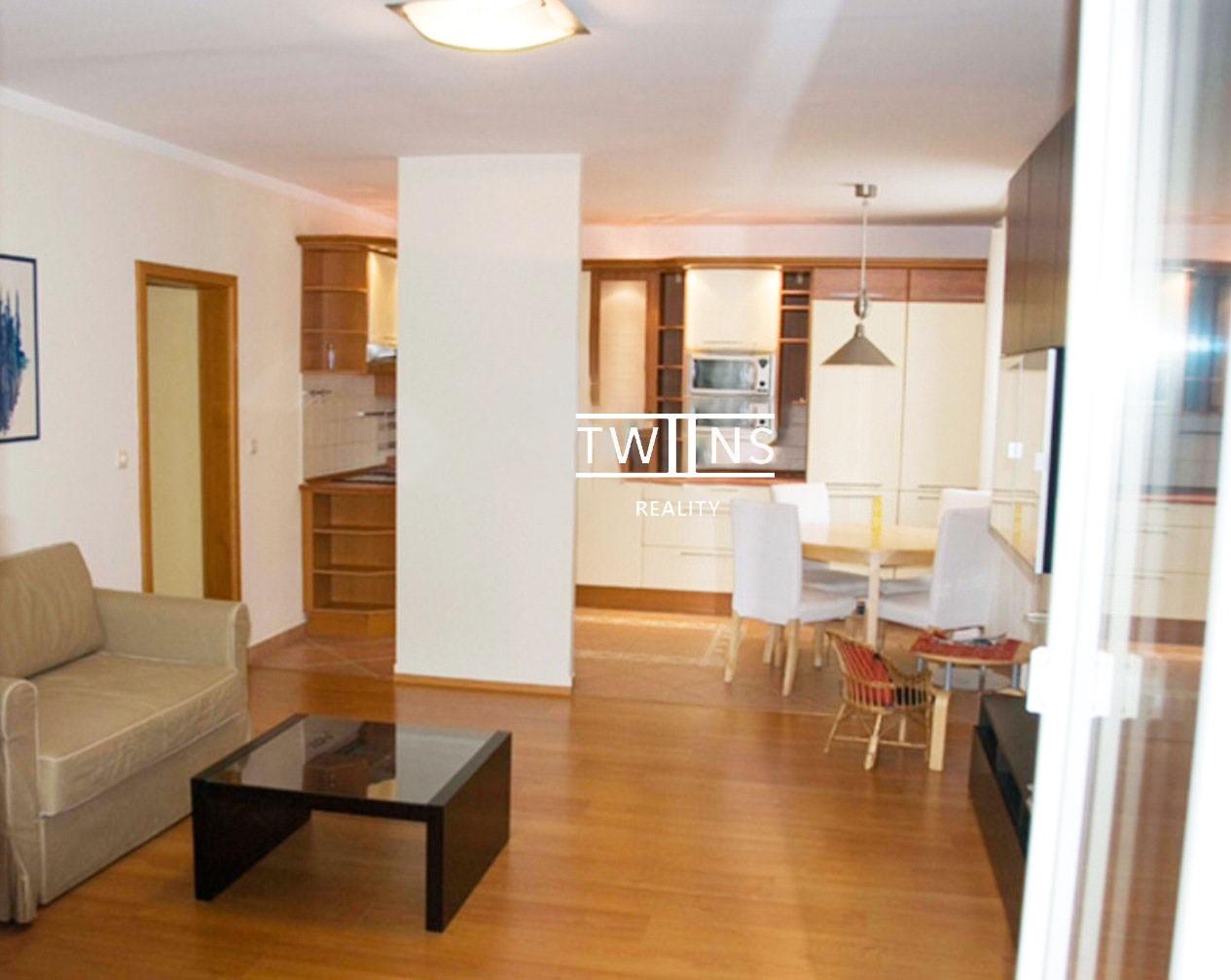 Prenajate ✅Prenajmeme veľký 3 izbový byt v Ružinove – Líščie nivy s Klimatizaciou.