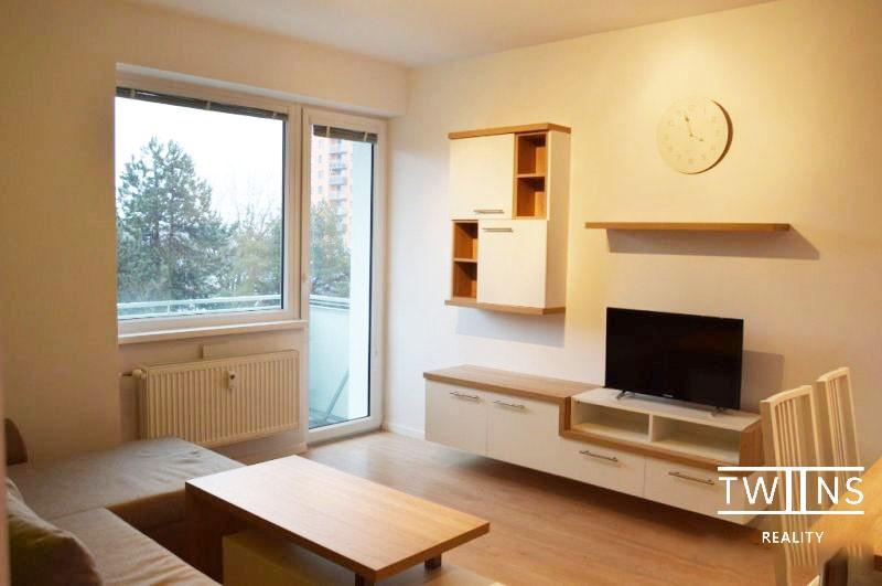 Prenajate 🔥Prenájom 2-izbový byt v✅ Ružinove  novostavba s balkónom a 🚗 parkovacím miestom
