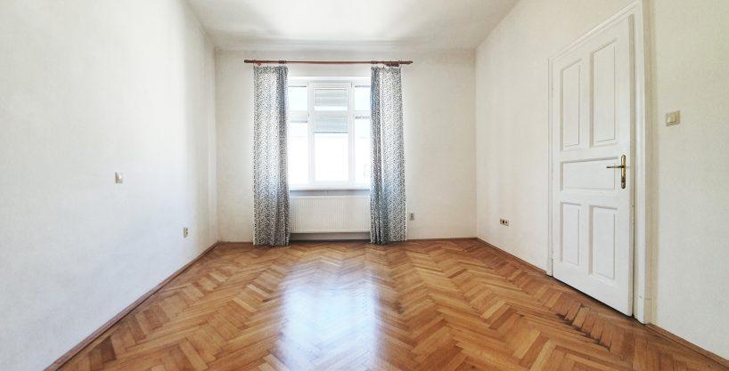 Predane! ✅💎💎Predame velkometrazny vysoko stropny 3 izbovy byt v Starom Meste , 120 m2, nepriechodne izby, kompl.prerobeny💶 Dohoda
