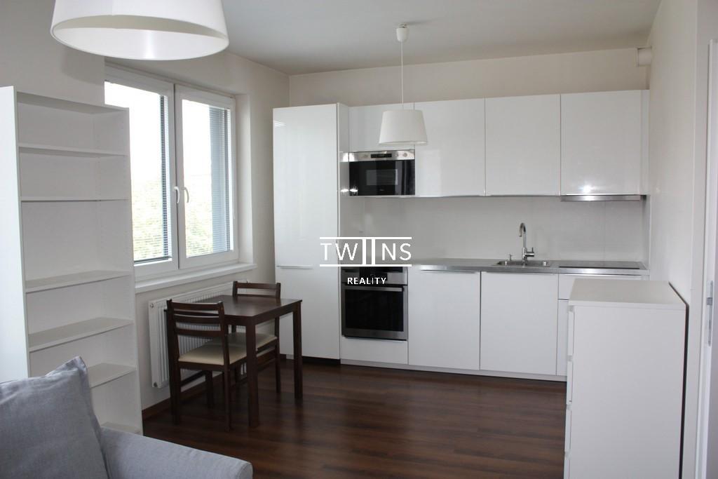 Prenajmeme 1 i byt s balkonom na Jegeho ulici v Ružinove ( širšie centrum)