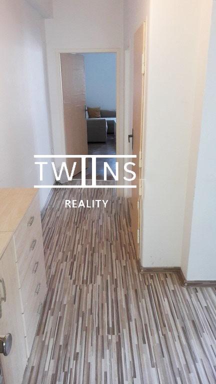 ✅Prenajmeme (Realitná kancelária) 2-izbový byt pri Poluse Nove- Mesto, 530 € (vrátane energií)