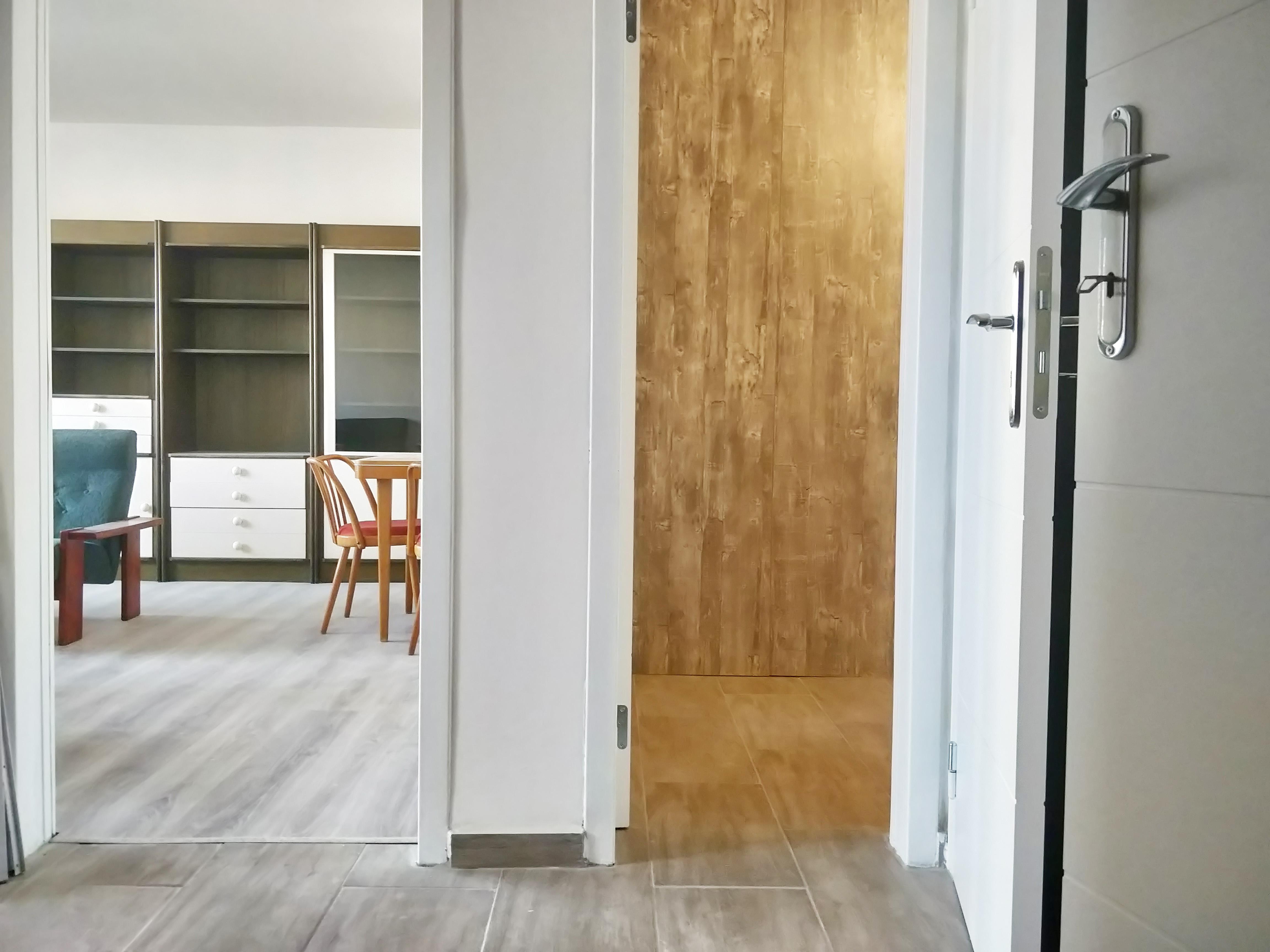 🆒✅Prenajmeme 2,5 izbovy byt v Dubravke na Saratovskej ul, kompletne prerobeny.