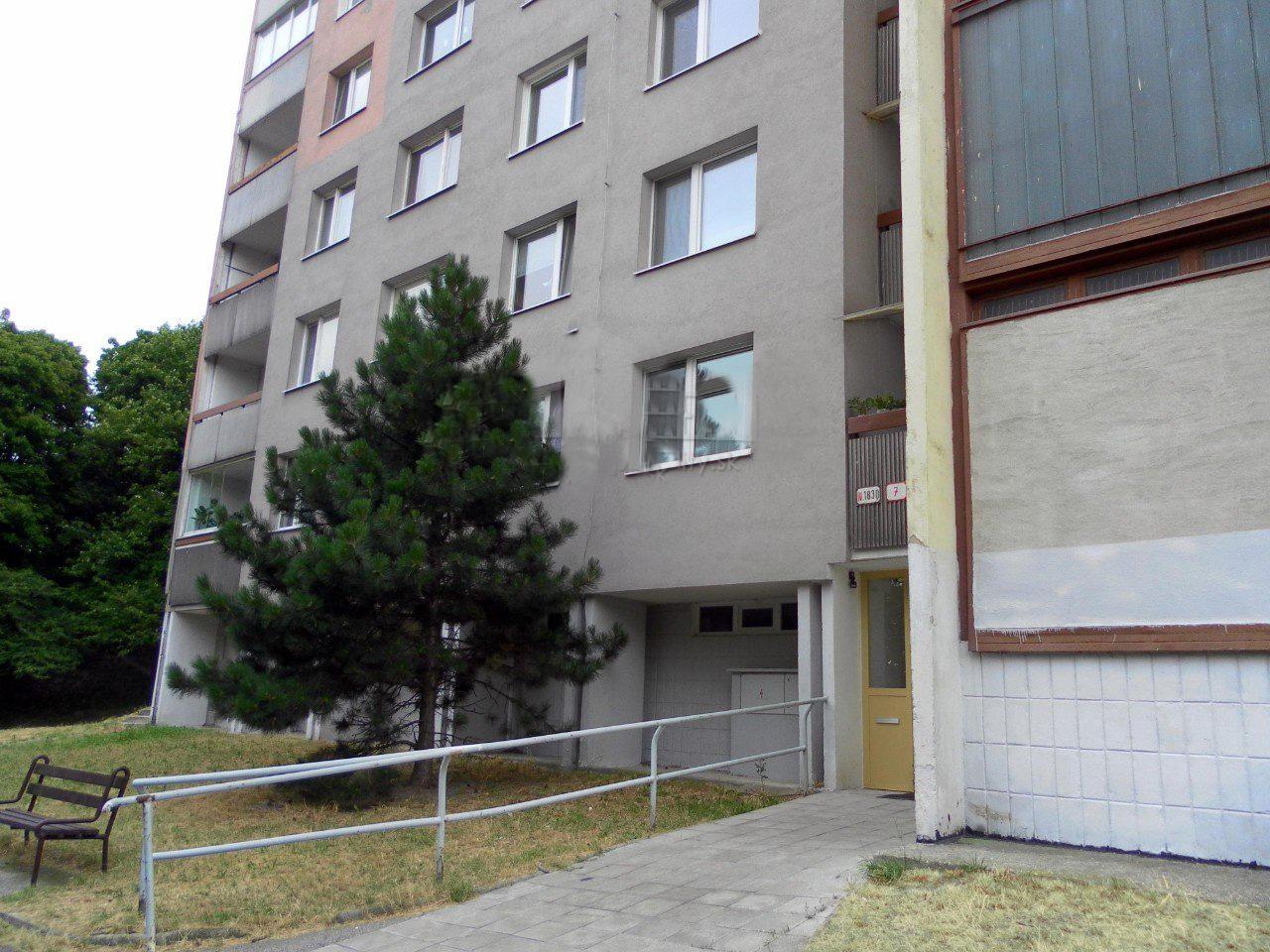 Rezervovane ✅Predáme 2+1 i. byt v Dúbravke, krásne prostredie, v okolí les ✅