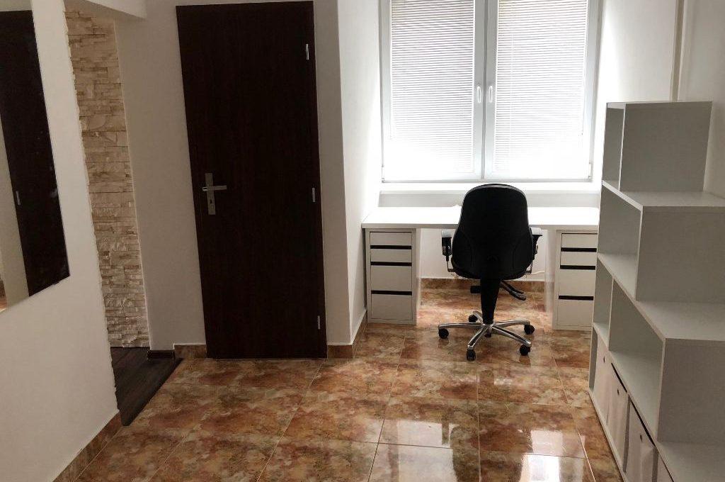 ne_orig_43953312_byty-2-izbovy-byt-bratislava-i-stare-mesto-2-izbovy-priestranny-byt-po-rekonstrukcii