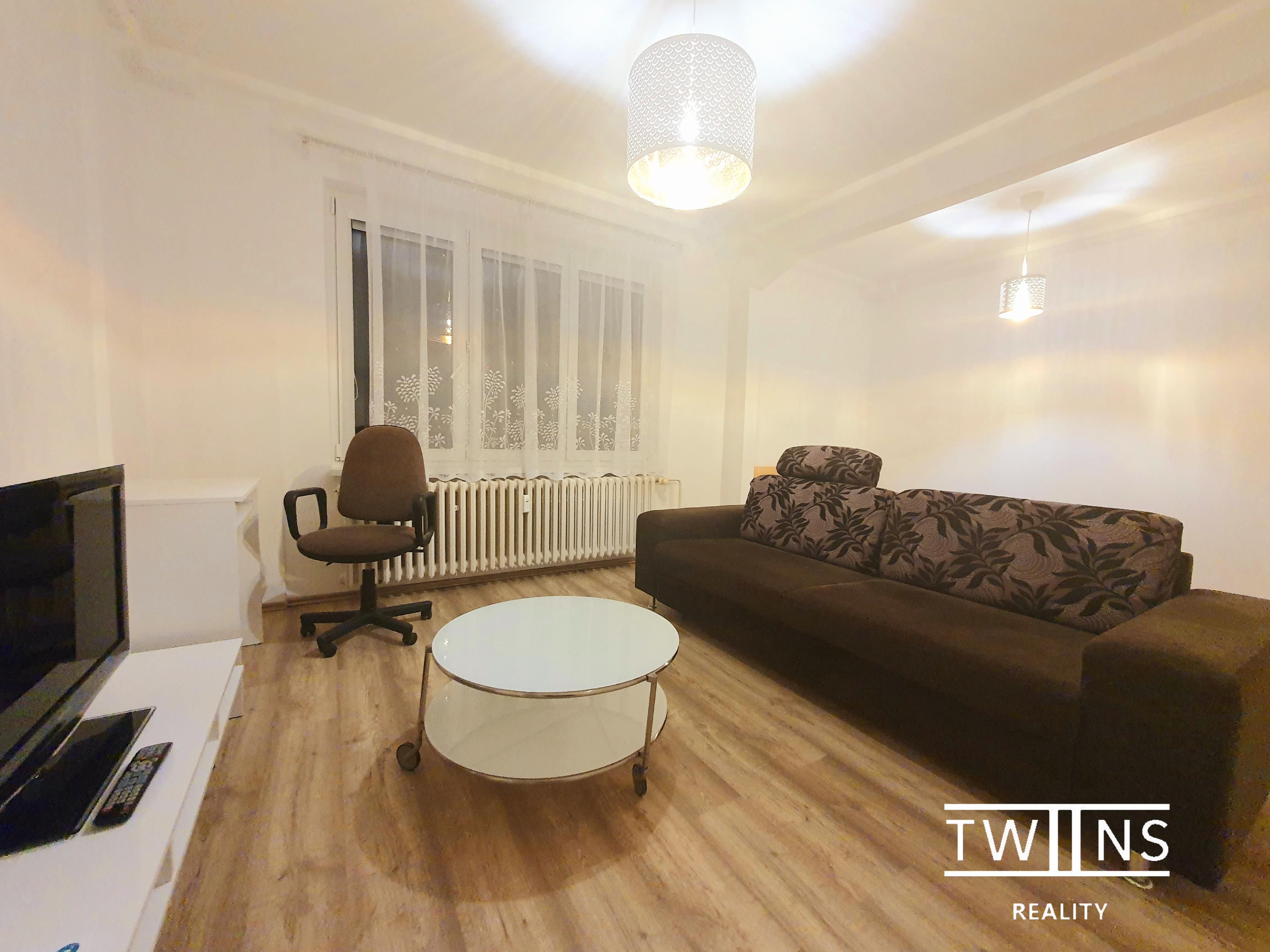 Prenajate! 🆕🔝Prenajmeme 1 izbovy byt so spacim kutom🛏 ( 43m2) pri Strkovci v Ruzinove