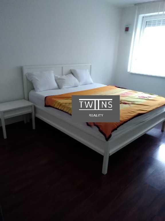 Prenájmeme komplet zariadený 2 izbový byt na Krámaroch 630 Eur all Include