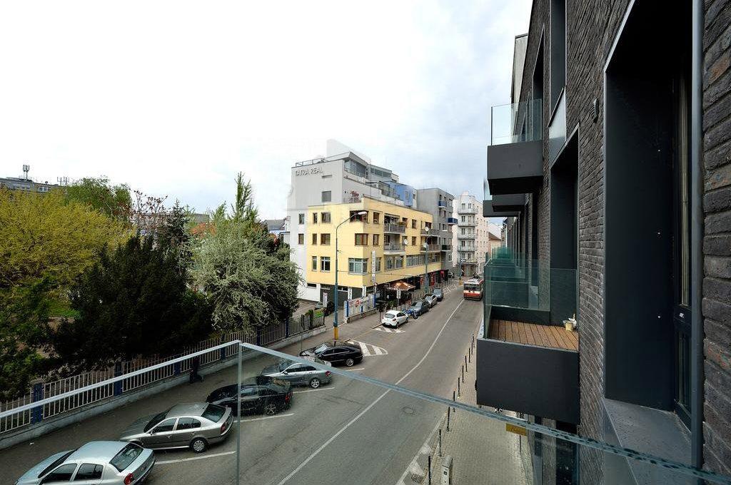 prenajom-1-izboveho-bytu-na-dunajskej-ulici-d1-667-6675015_2