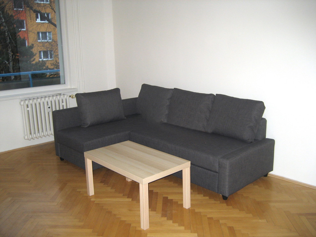 💎Prenajmeme 2 izbový byt s balkónom v Ružínove na Astrovéj ulici.