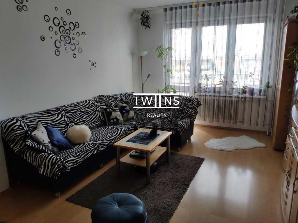🆕Prenajmeme kompletne prerobený a zariadený 2 izbový byt v Ružínove na Martinčekovéj ulici.