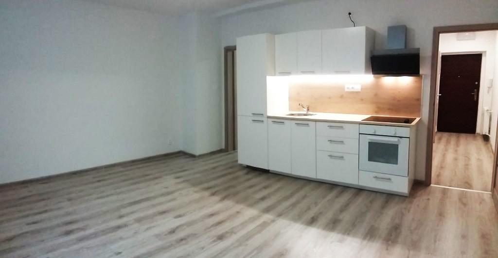 ne_orig_45325462_byty-2-izbovy-byt-bratislava-iii-nove-mesto-2-kk-na-sancovej-ulici-po-rekonstrukcii-