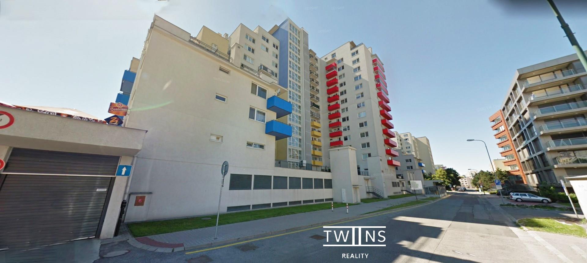 ✅Prenájom 2 izb. bytu v Dúbravke s 🚗 garážovým státím