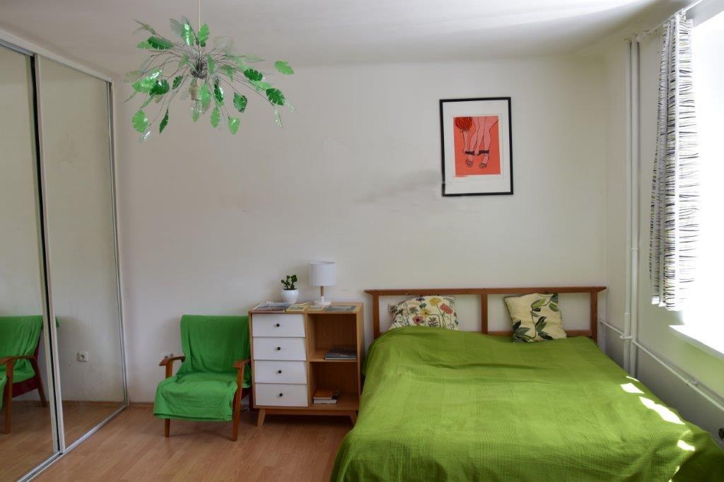 PRenajate! Prenájmeme 1-izbový byt neďaleko Trnavského mýta v obľúbenej štvrti Tehelné pole