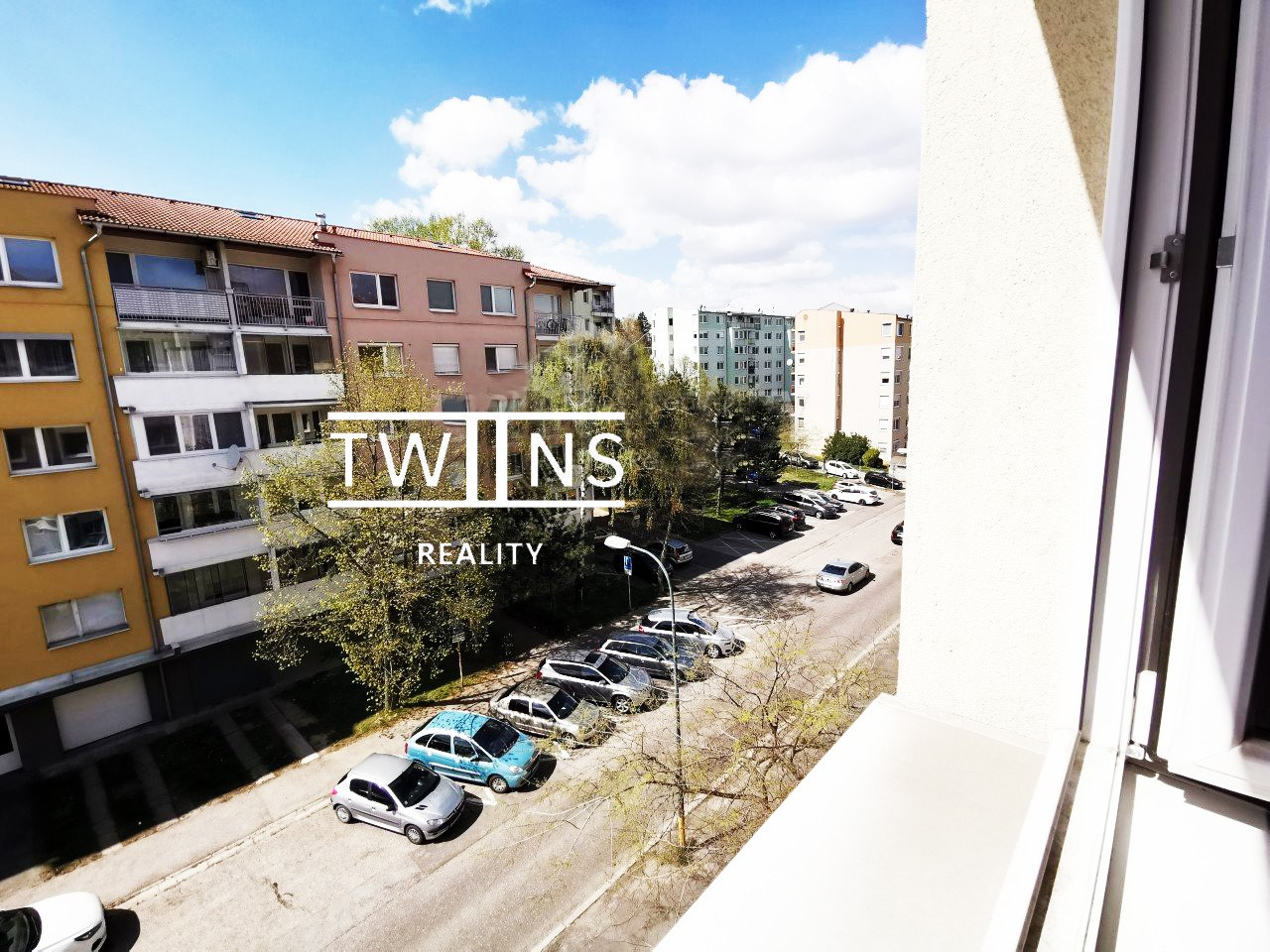 ✅Predáme krásny 2 izb. byt v pôvodnom stave v Dúbravke ideálny pre mladú rodinu
