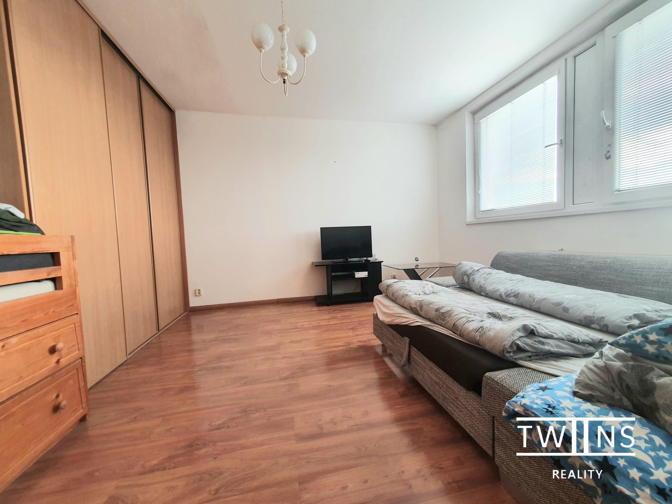 Prenajate ! ✅TOP POnuka💎Prenajmeme 1 izbovy byt na Fedinovej ul. v Petržalke, kompl.zar.,💶420€, Bez depozitu!