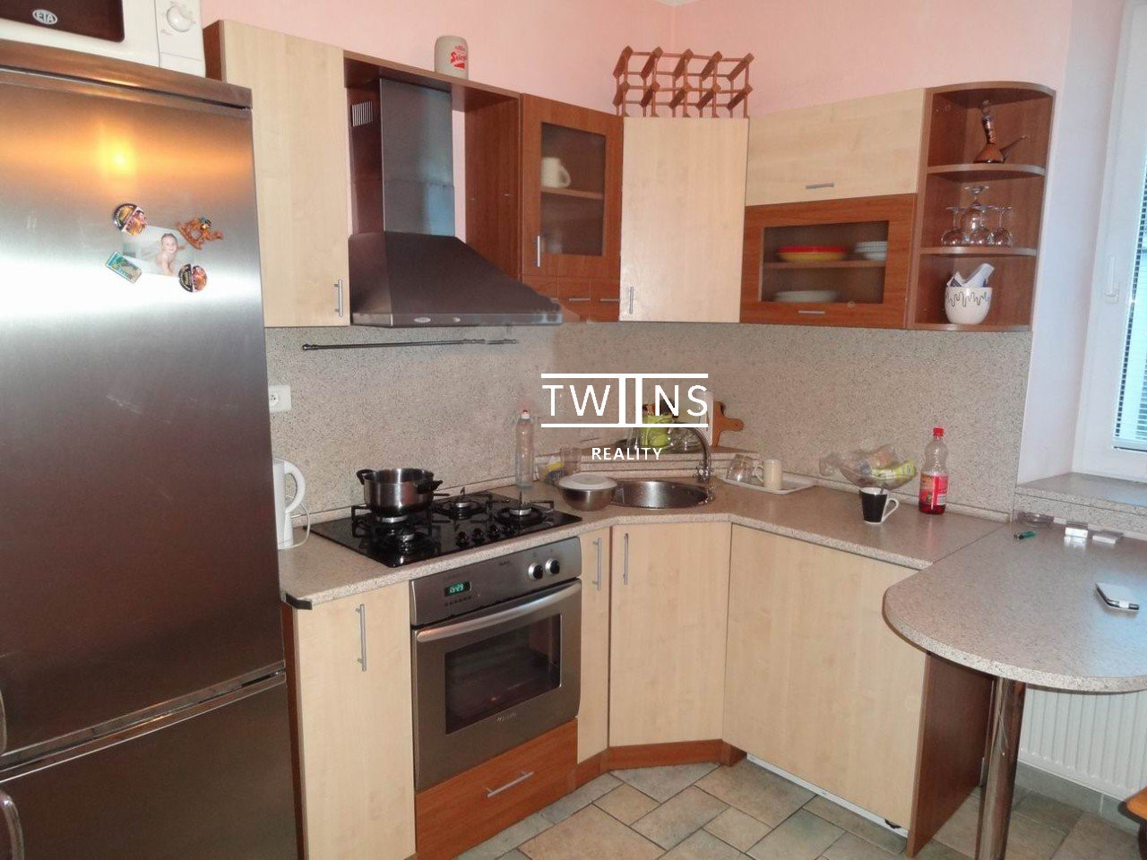 Prenajmeme 1,5 izbový byt v Bratislave vo vyhladavenéj časti Nivy ..