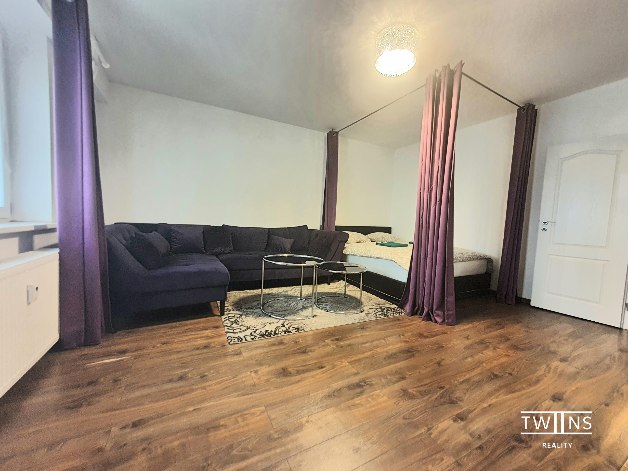 Prenajaté!! Prenajmeme velkometrazny 1 izbovy byt v sirsom centre Bratislavy . Krasne a vkusne prerobeny