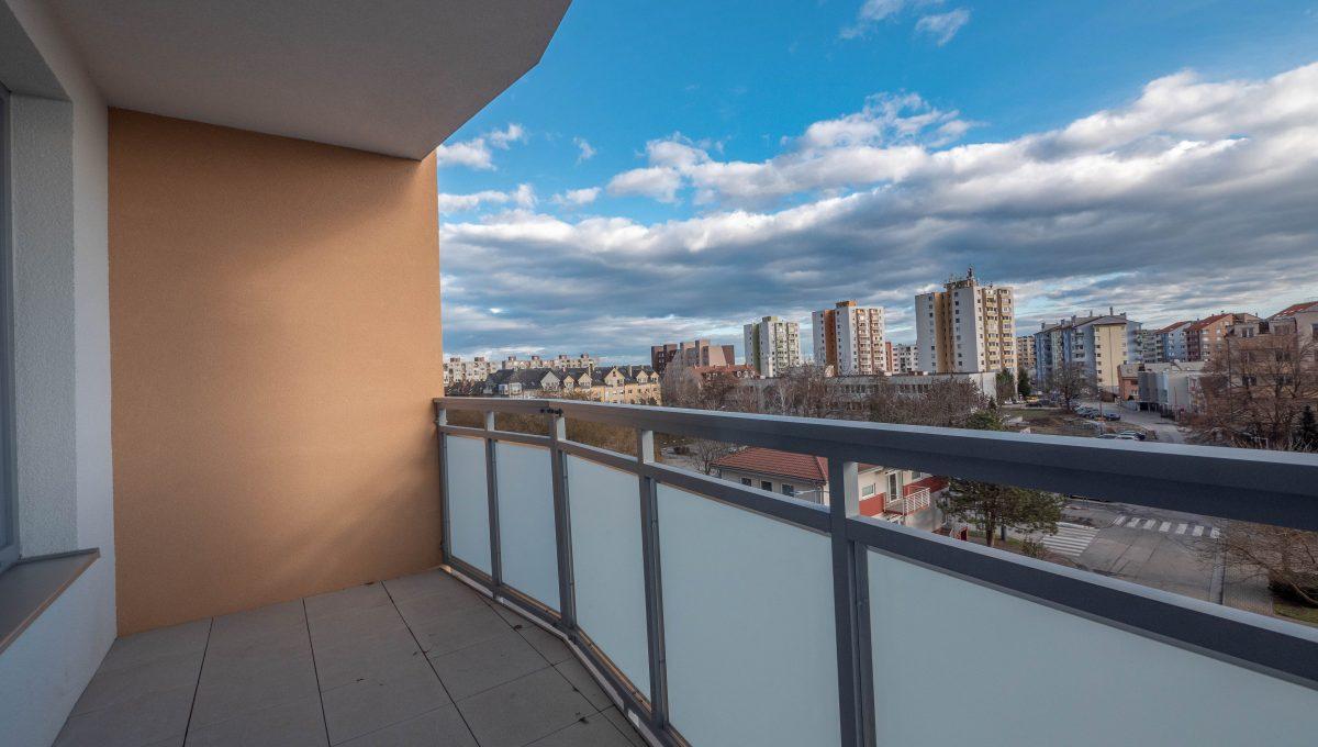 vyhlad balkon obyvacka_